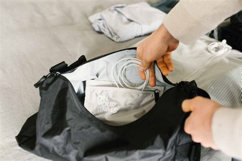 How to Pack 5 Common Personal Items For Your Flight