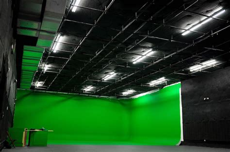 Searching For A Giant Green Screen Studio In Miami?