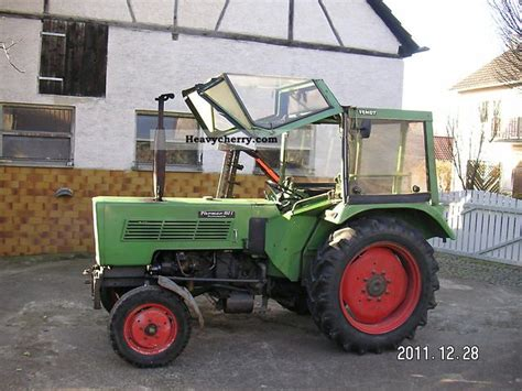 Fendt 102 S 1973 Agricultural Tractor Photo and Specs
