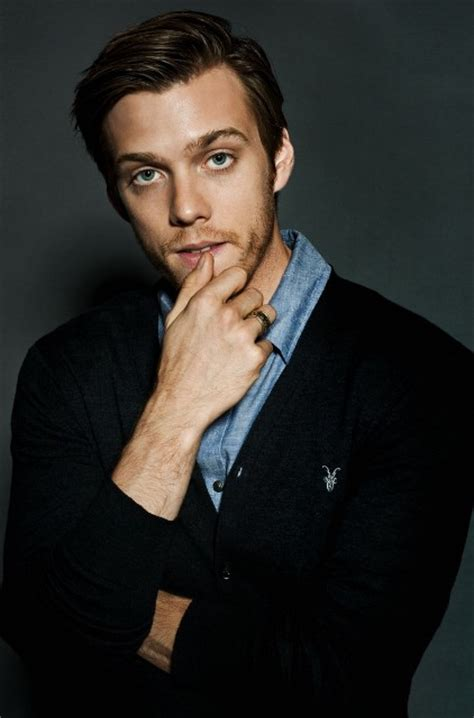Jake Abel Age, Weight, Height, Measurements - Celebrity Sizes