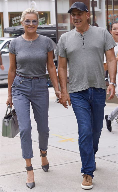 Yolanda Hadid holds hands with new flame in New York