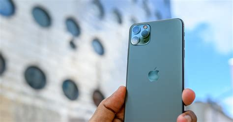 iPhone 11 Pro Max Review: Come for the Cameras, Stay for
