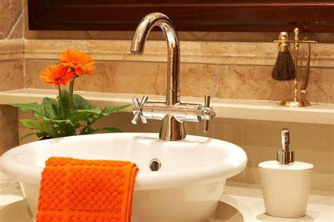 Small Bathroom Remodeling With Large Inexpensive Ideas