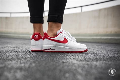 Nike Women's Air Force 1 '07 SE White/Gym Red sneakers